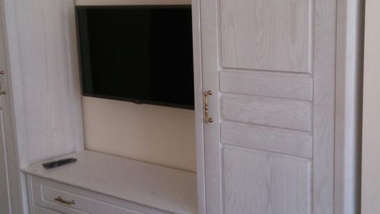 Детская Снежана шкаф дуб (молочный)