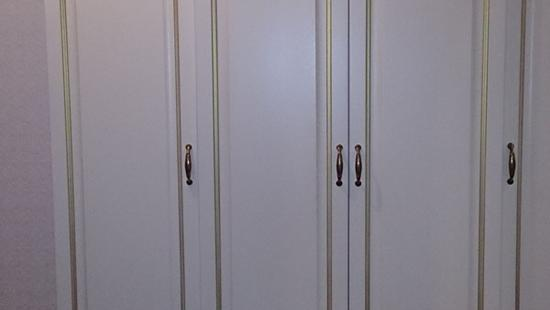 Спальня Лира шкаф бук (белая эмаль, патина)