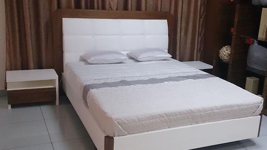 Спальня Анджелина кровать дуб (белая эмаль и ам. орех)